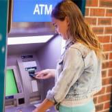 クレジットカードで現金調達!?海外ATMでお金のおろし方!